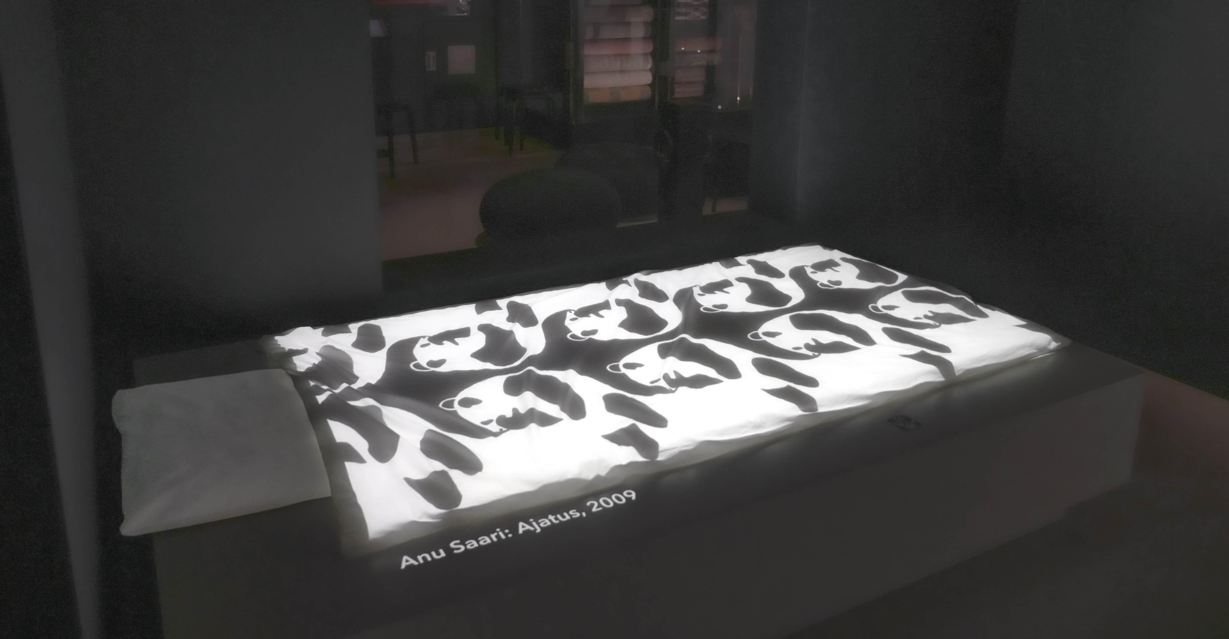 Finlaysonin pussilakanoita, videoprojisointi